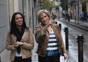 Pilar Rahola, junto a la esposa de Carles Puigdemont,Marcela Topor, enel desaparecidoFora de sèrie.