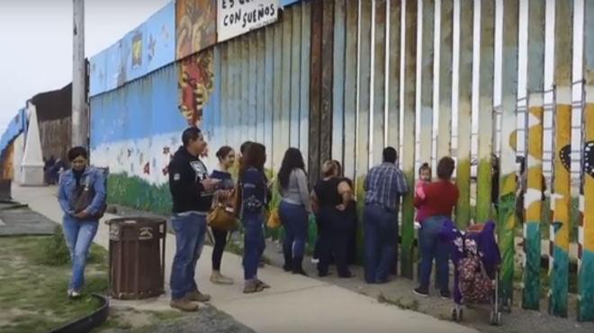 El muro que separa familias