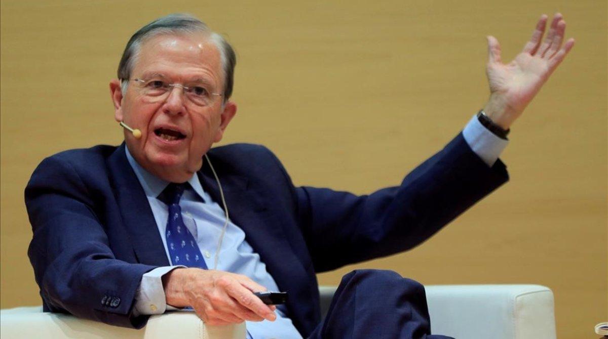 El economista Jose Luis Malo de Molina,durante la presentacion de su libro 'Una vision macroeconomica de los cuarenta años de la Constitucion Espanola.