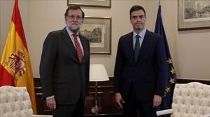 Rajoy y Sánchez, el pasado febrero.