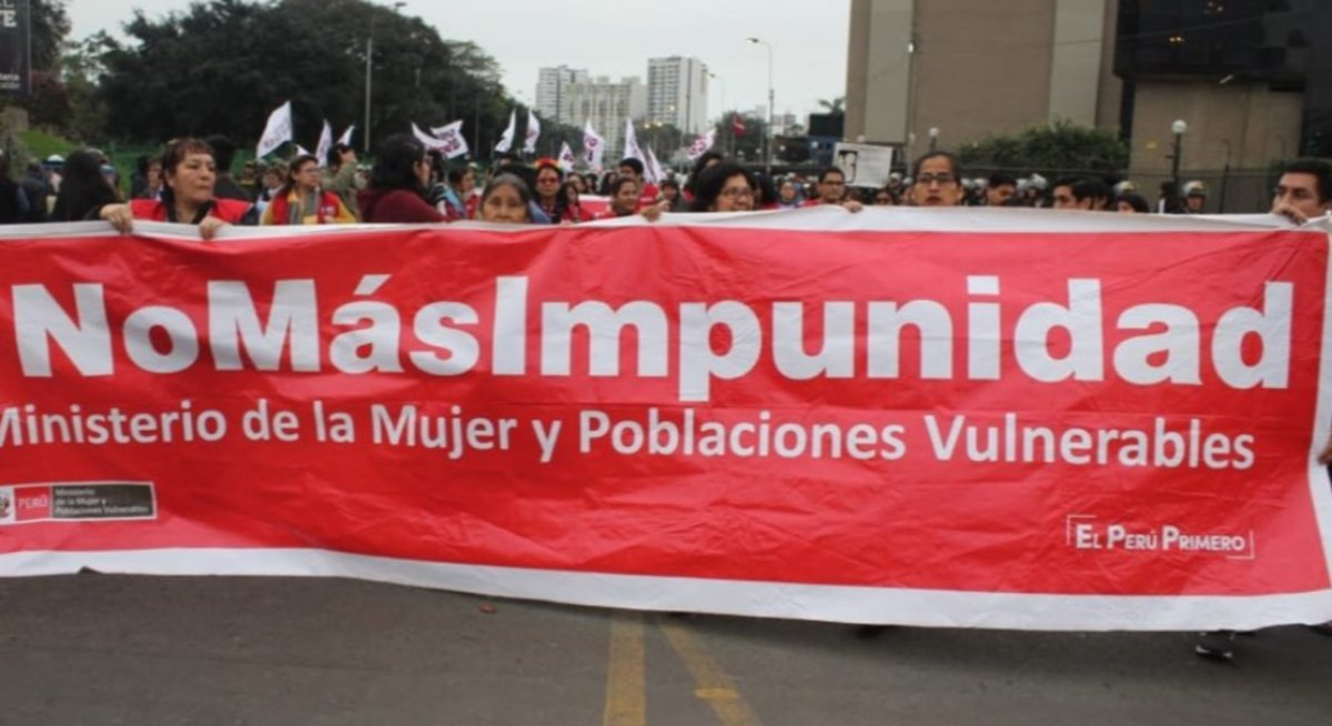 Ni una menos: Mujeres en Perú marchan y exigen justicia