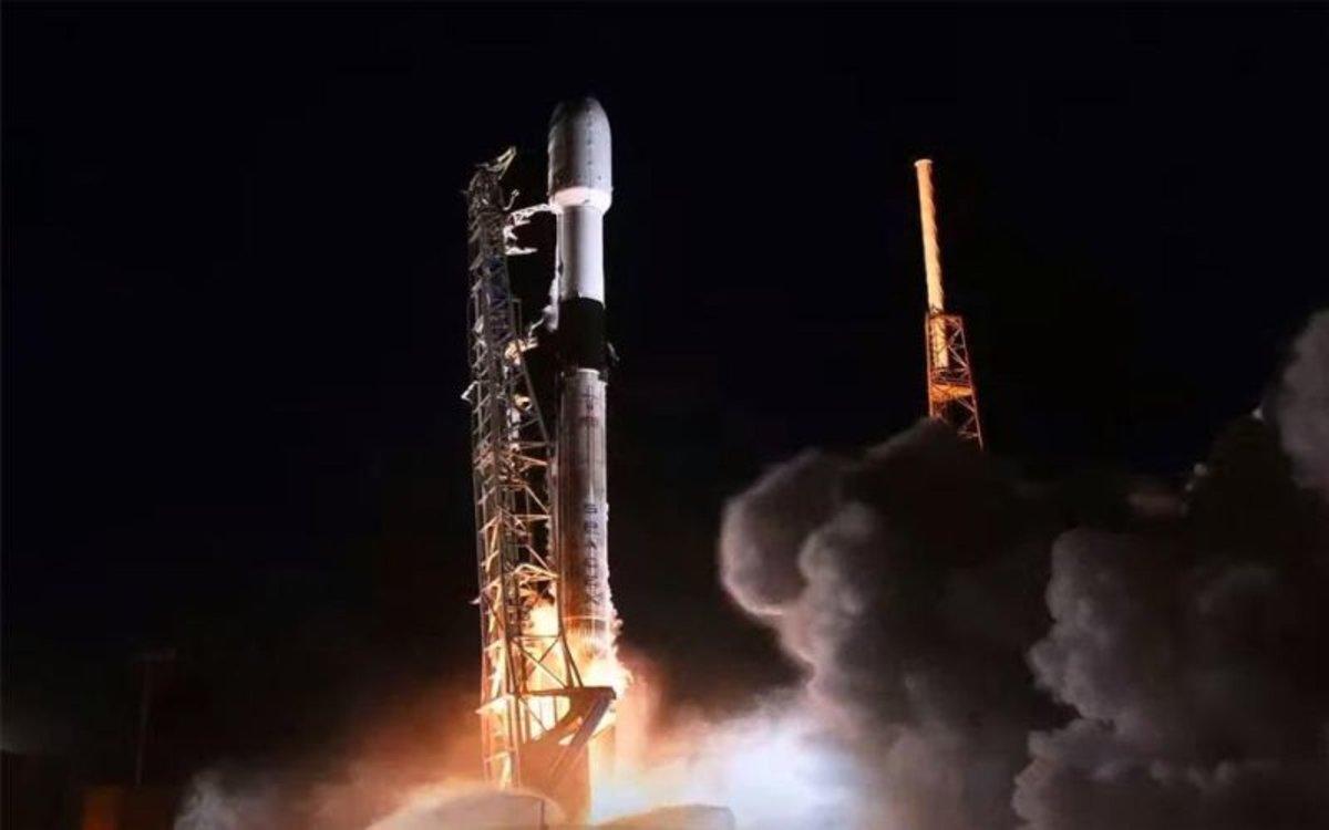 Lanzamiento de satélites de la empresaSpaceX.