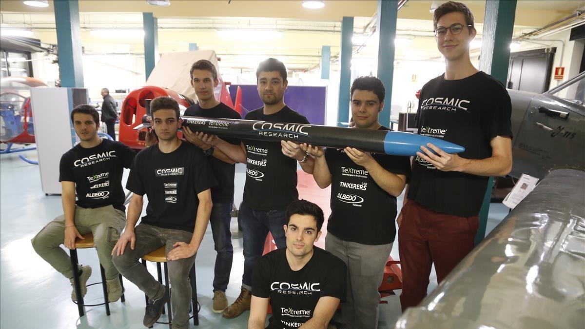 Albert Ávila, Alberto Pulido, Manel Caballero, Guilllem Castro, Xavi López, Víctor Ubieto y Jordi Galí, miembros del equipo de la UPC en Terrassa.