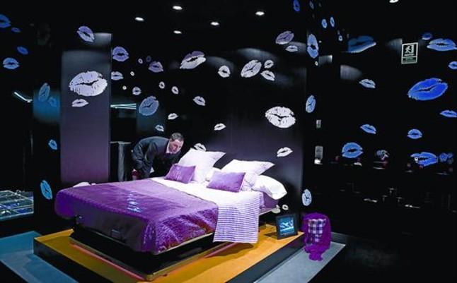 The Movement Bed es uno de los productos más solicitados en la tienda de muebles eróticos Margarita Bonita, ubicada en la calle de Mallorca.