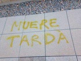 Una de las pintadas contra Tardà en la Universitat de València.
