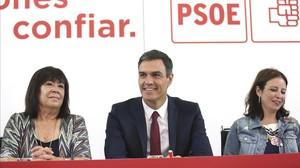 Sánchez renuncia a l'impost a la banca i molesta Podem