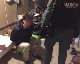 El vietnamita que vivía encerrado en una nave llena de marihuana y fuerescatado por la Guardia Civil.