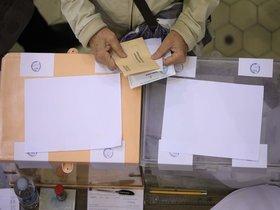 En Santa Coloma tienen derecho a voto en estas elecciones un total de 77.841 personas: 40.581 mujeres y 37.260 hombres.