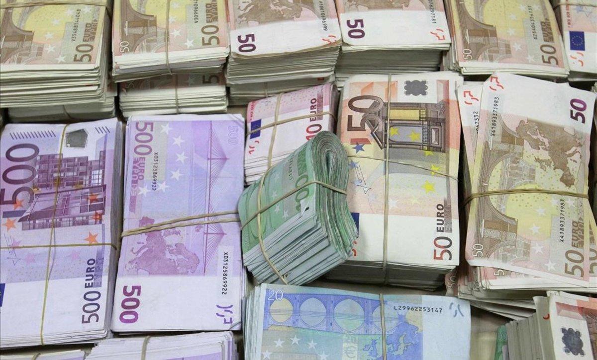 Els bitllets de 20 i 50 euros són els més falsificats