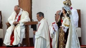 El Papa admet que es va equivocar en el principal escàndol de pederàstia a l'Església xilena