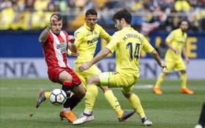 Un eficaç Girona prolonga el seu somni davant el Vila-real (0-2)