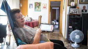 Neus, queparticipa en un porgrama de Barcelona para atender a los mayores que viven solos.