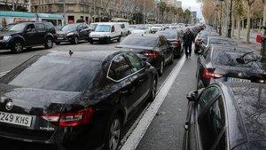 Protesta de conductores de VTC en la avenida Diagonal.