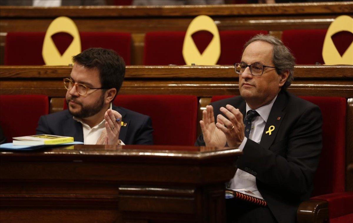 La Junta Electoral dona 48 hores a Torra per retirar llaços grocs i estelades d'edificis públics