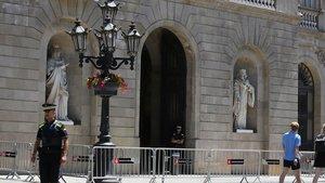 Fachada del Ayuntamiento de Barcelona en la plaza de Sant Jaume.