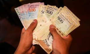 Veneçuela es 'dolaritza' i decreta la mort del bolívar