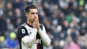 Cristiano Ronaldo lamenta una ocasión fallada en el partido entre la Juventus y el Sassuolo del 1 de diciembre.