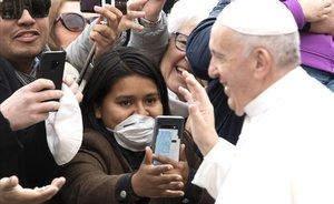El Papa suspèn la seva assistència a una litúrgia a Roma per un refredat