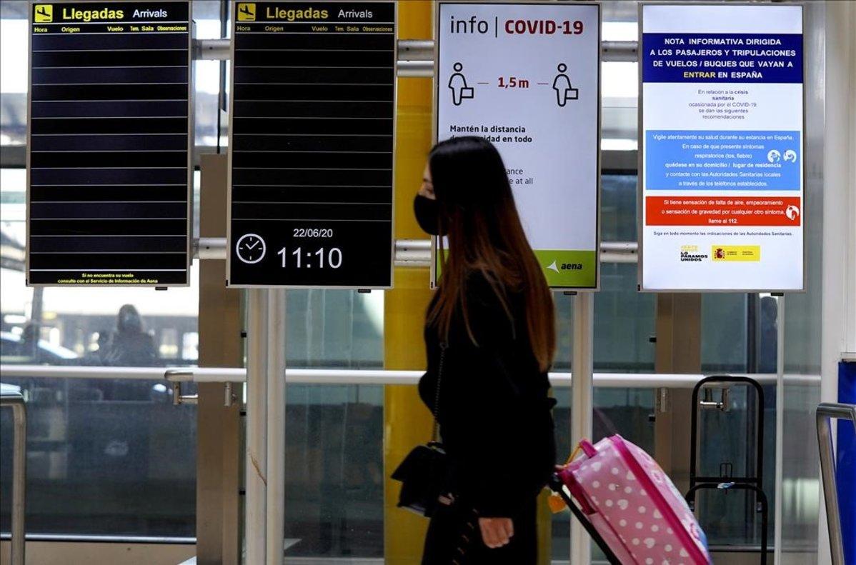 Només els viatgers amb bitllet podran entrar als aeroports espanyols