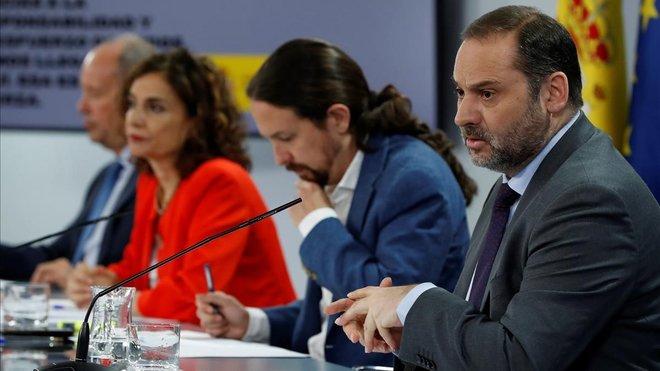 Campos, Montero, Iglesias y Ábalos, en la rueda de prensa posterior al Consejo de Ministros.