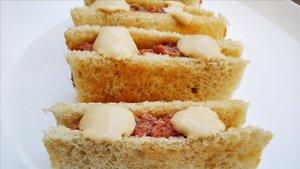 Sándwich de tartar: foto hecha en casa.