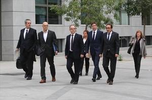 Siete exconsellers se dirigen a la<br/>Audiencia Nacional, el pasado día 2.