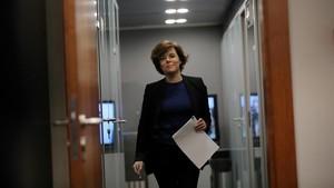 La vicepresidenta del Gobierno, Soraya Sáenz de Santamaría, antes de su comparecencia ante la prensa, este jueves, 25 de enero.