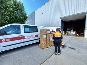 La Diputació de Barcelona dona material de protecció a sanitaris i policies de Sant Boi