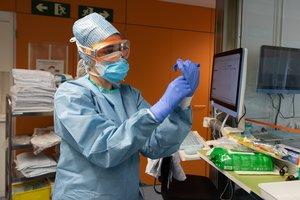 Espanya contractarà 200 sanitaris estrangers per combatre el coronavirus