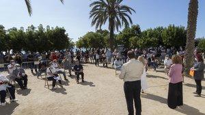 El acto de presentación de las placas 'Stolpersteine' en el paseo del Callao