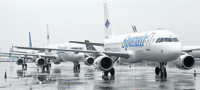 Aeroplanos de Spanair en El Prat, en enero del 2012, cuando se comunicó el cierre de la aerolínea.