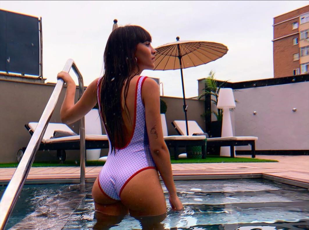 Aitana de OT comparte un posado en bañador en su cuenta de Instagram.