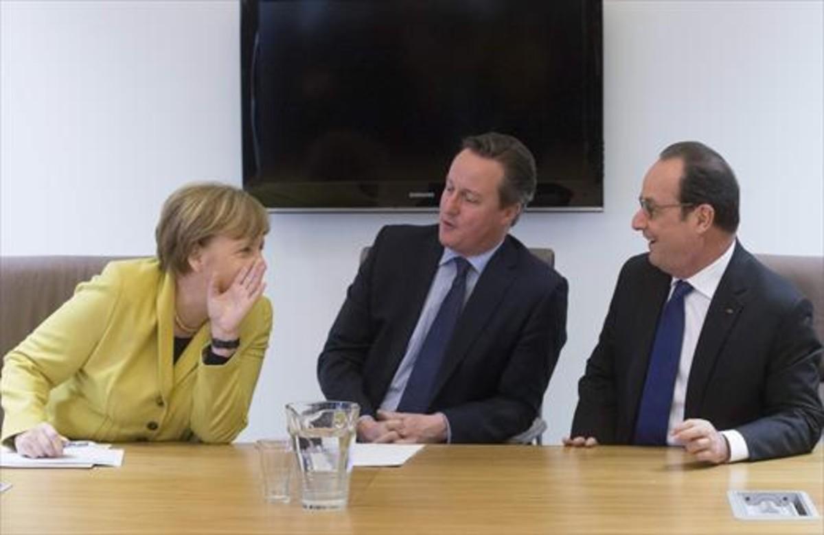 Merkel, Cameron y Hollande, en Bruselas, durante la negociación del tratado con Turquía sobre refugiados..