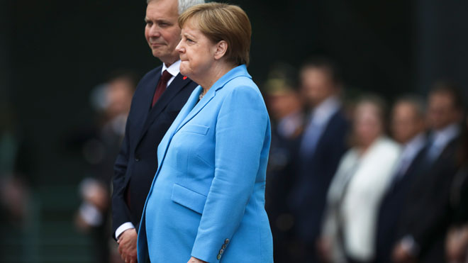Angela Merkel sufre el tercer episodio de temblores en un mes.
