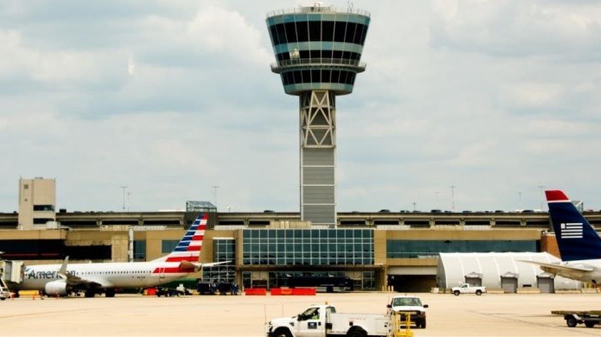 Los pasajeros viajaban en dos aviones de la compañía America Airlines.