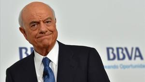 El presidente de BBVA, Francisco González, antes de comenzar la junta de accionistas del 2018 en Bilbao.