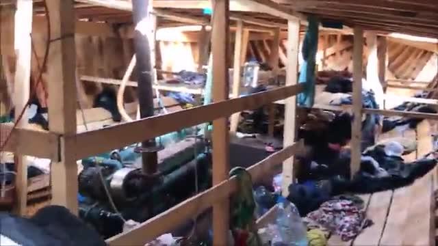 Proactiva graba el interior de un barco de inmigrantes en el Mediterráneo.