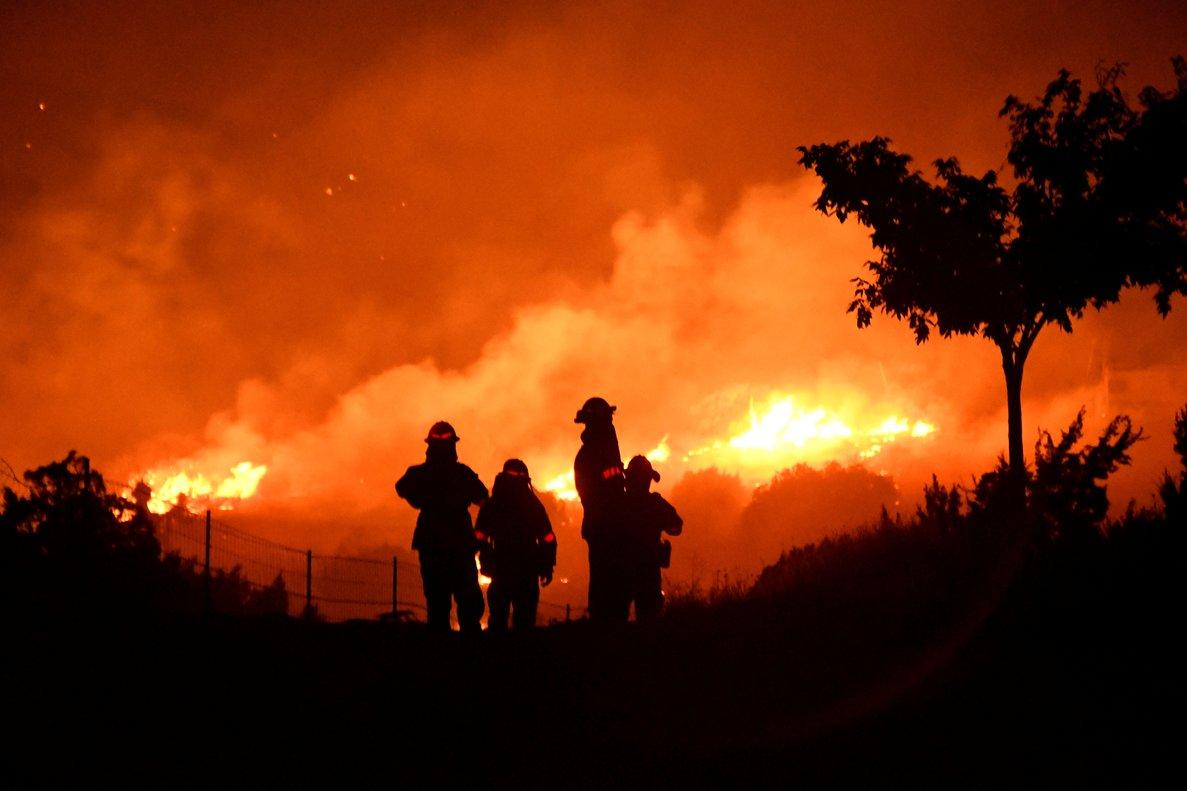 El Bobcat Fire es ya uno de los mayores fuegos en la historia de Los Ángeles.