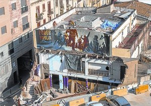 Can Vies, después de que el ayuntamiento detuviera el derribo.