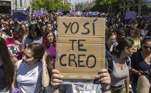 Concentración en Valencia en protesta por la sentencia contra 'la Manada'.