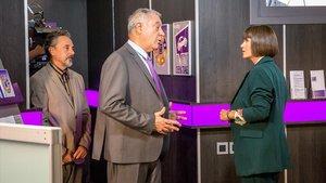 Pere Ponce, Jaume Bosch y Agnès Busquets, en el telefilme 'El crèdit', de TV-3.