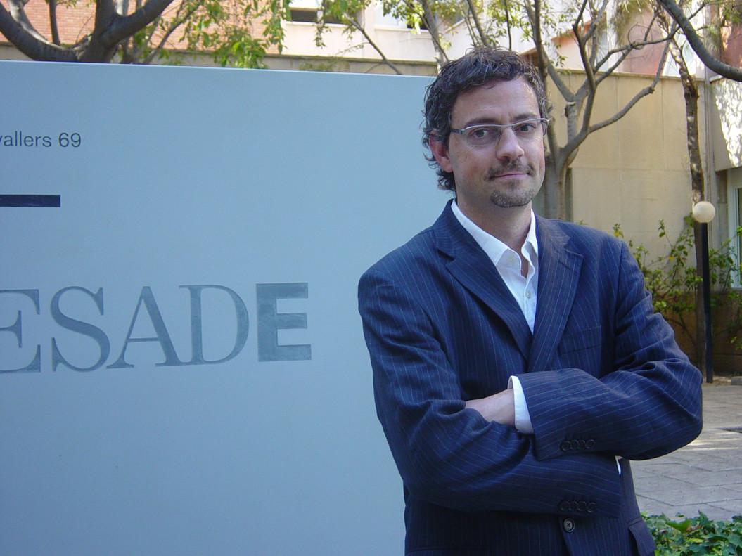 El profesor de Esade, Josep Comajuncosa, ha afirmado queelimpacto de los hechos del 1-O se diluyó con bastante rapidez.