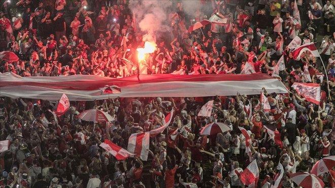 Fans del River Plate celebran el triunfo en Buenos Aires, el pasado domingo.