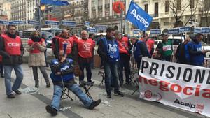 Els funcionaris de presons convoquen sis dies de vaga general