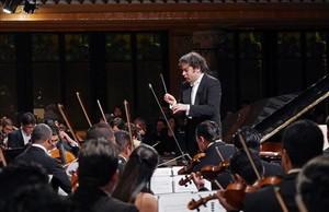 Gustavo Dudamel, al frente de la Simón Bolívar, el jueces en el Palau de la Música.