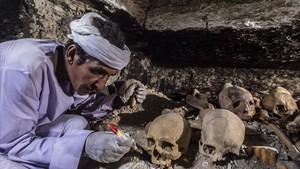 Hallazgos en la tumba de un orfebre del dios Amón, en Luxor, anunciados el pasado sábado.