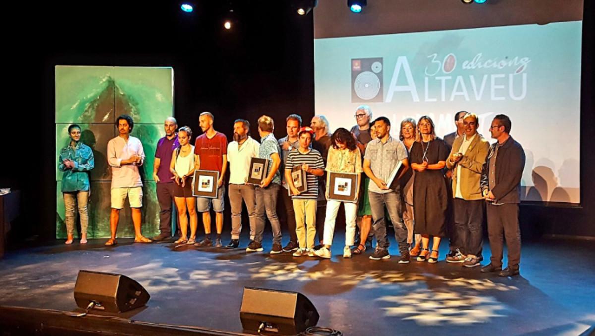 Imagen de los galardonados en los Premios Altaveu 2018de Sant Boi