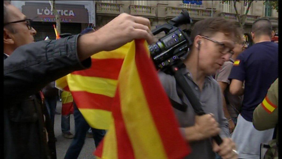 Un nomento de los incidentes con los equipos de TV3 y Betevé