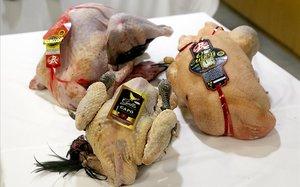 Algunas de las aves ecológicas, debidamente etiquetadas,que se consumirán estas Navidades.