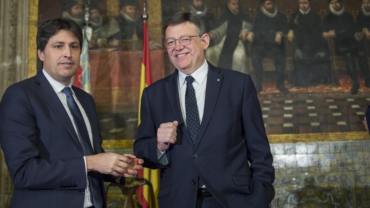 José Rosiñol, presidente de SCC,junto a Ximp Puig, president de la Generalitat, en la entrega del premio Broseta